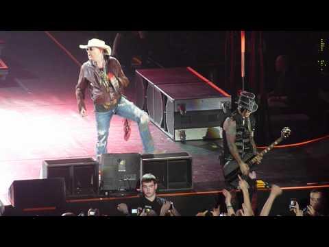 Guns N Roses - Sweet Child O' Mine (Live at The O2 Dublin Ireland 17 May 2012)