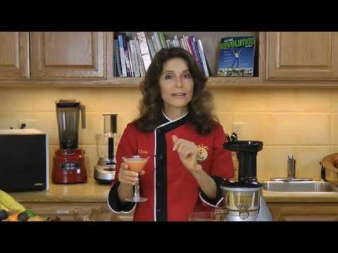 Raw Food Recipe: Raw Vegan Cranberry Apple Cocktail