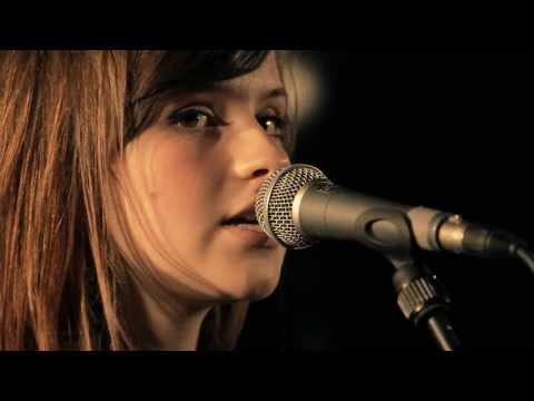 Gabrielle Aplin - Never Fade (Home House Live with Raymond Weil Performance)