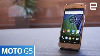 Moto G5 & G5 Plus   Hands-On   MWC 2017 - ENGADGET