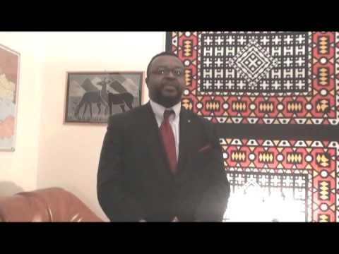 Poseł John Godson na swoim videoblogu umieszcza kazania.