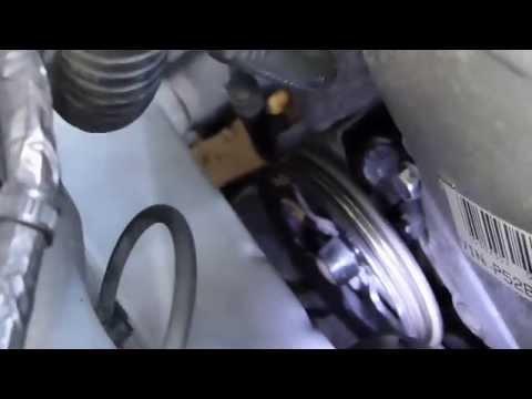 Comment remplacer les courroies d'accessoires sur Toyota Yaris TS