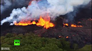 Cracks in the ground spit out streams of lava in Hawaii - RUSSIATODAY