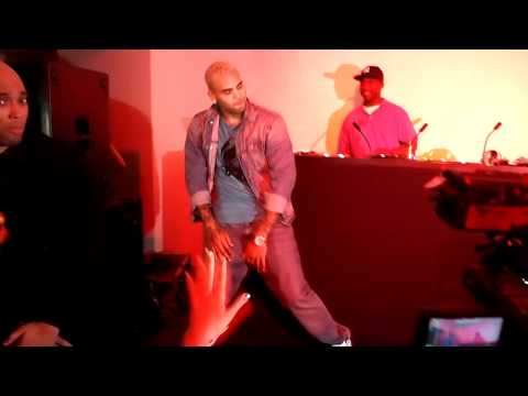 Chris Brown Dancing to Teach Me How To Dougie