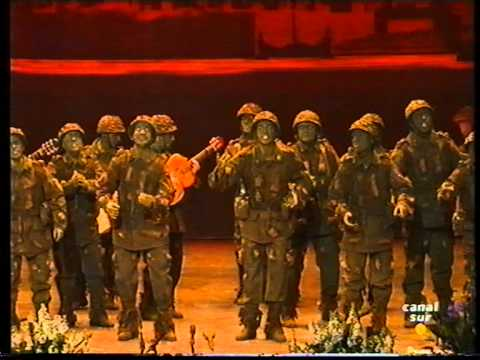 Sesión de Final, la agrupación La trinchera actúa hoy en la modalidad de Comparsas.