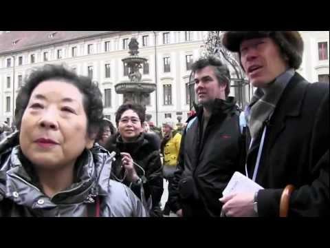 PRAHA - zpívání TETEK A HORŇÁKŮ obdivovali na Pražském hradu i turisté z Japonska