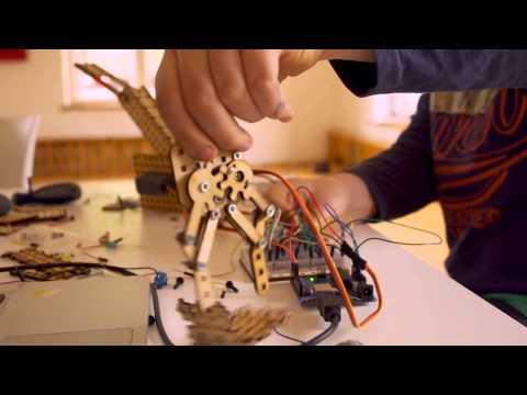 Roboty Lo Fi mogą być czymkolwiek zechcesz: samochodem, wysięgnikiem, gorylem.