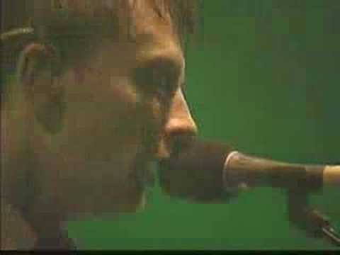 Radiohead - Climbing Up the Walls [Glastonbury 2003]