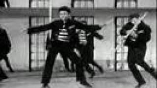 بالفيديو.. إلفيس بريسلى يعود من جديد  فى «إكس فاكتور»