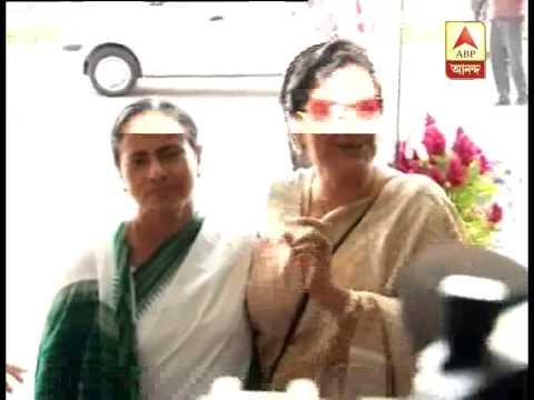 Film actress Mousumi meets Mamata at Nabanna
