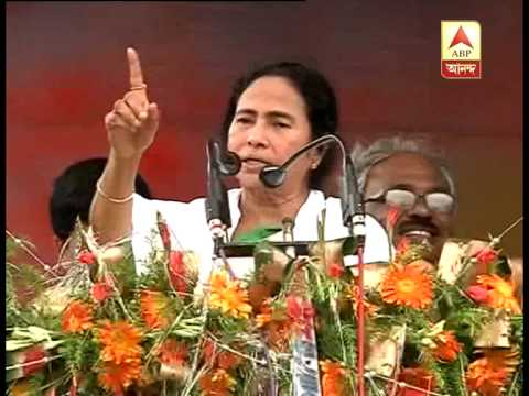 Mamata clarifies that Saradha owner did not buy any of her paintings