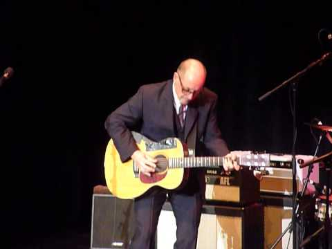 Andy Fairweather Low   Atkinson Southport   7th Dec 2013 011