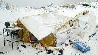 قتلى وجرحى في إيفرست بسبب زلزال النيبال