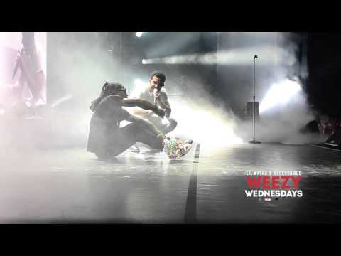 Lil Wayne - Lil Wayne & Drake Share A Blunt Onstage On Weezy Wednesdays  Feat. Drake