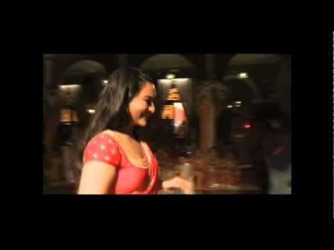 Making of Chammak Challo - Rowdy Rathore -h6AxWRP2-XI