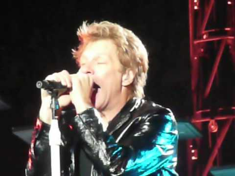 2013-11-2 Bon Jovi - Toronto Born To Be My Baby