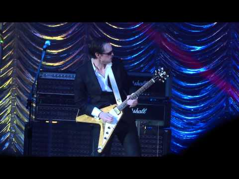 Joe Bonamassa-Just Got Paid (Live At Hammersmith Apollo London 21/10/2011)