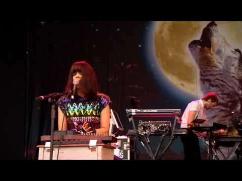 Bat For Lashes live