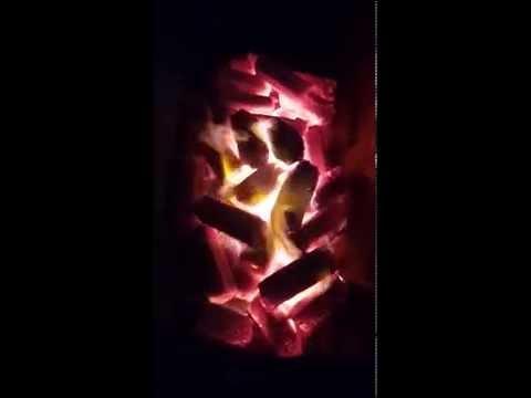 คลิปการทดสอบถ่านอัดแท่ง ในเตาเผาถัง 200 ลิตร