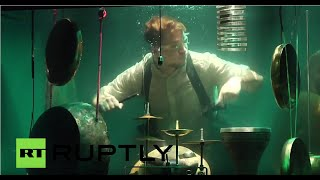 World's first underwater musical band performs in Netherlands - RUSSIATODAY
