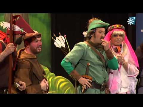 Sesión de Semifinales, la agrupación Robin del Bosque y los demás de Ubrique actúa hoy en la modalidad de Cuartetos.