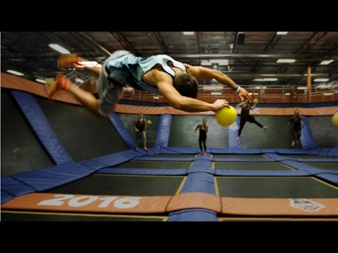Trampoline Vs Dodgeball Parkour! At Sky Zone!