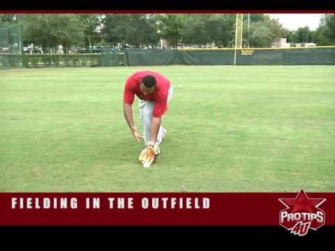 Baseball Tips: Fielding in the Outfield with Carlos Lee