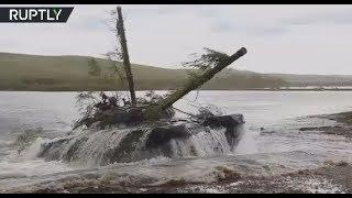 Vostok 2018 drills: Tanks breach river during war games in Siberia - RUSSIATODAY
