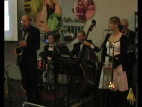 Cheek To Cheek - Slidin' Selena sings with Bert Brandsma swing combo