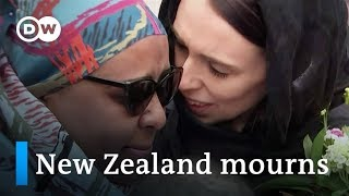 New Zealanders show outpouring of solidarity after mosque attacks | DW News - DEUTSCHEWELLEENGLISH