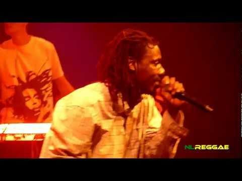 "CULTURE FEAT. KENYATTA HILL ""See Them A Come~Jah Rastafari"" Paradiso, Amsterdam 2011"