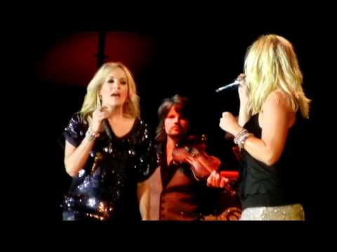 HD Carrie Underwood and Miranda Lambert Before He Cheats Gunpowder & Lead Duet