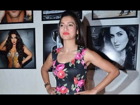 Exclusive Footage: Gauhar Khan at Dabboo Ratnani's Calendar Launch 2014