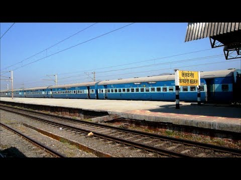 indiantrains@high speed action of 4 trains at kelve road station india
