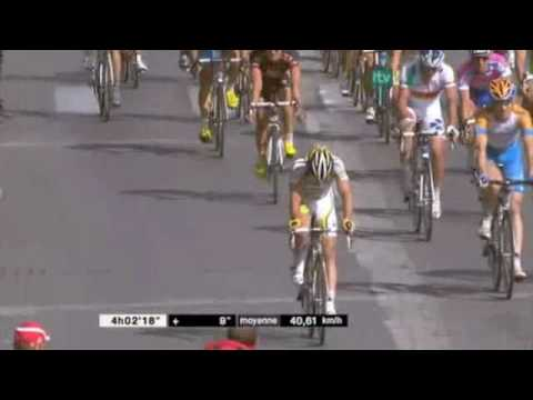 Mark Cavendish wins on the Champs Élysées