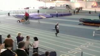 بالفيديو: تسعيني يحطم الرقم القياسي في الجري لمسافة 200 متر