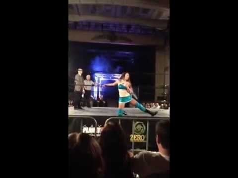 Fan Cam: Jessie McKay's Entrance @ Zero 1 Wrestling