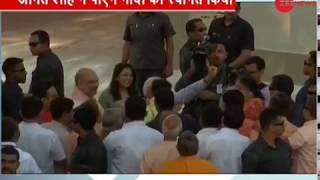 PM Modi shows victory sign with Amit Shah's granddaughter - ZEENEWS