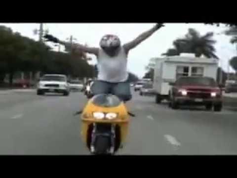 Clip: Những pha bốc đầu bốc đít tai nạn xòe mặt | hay88.com
