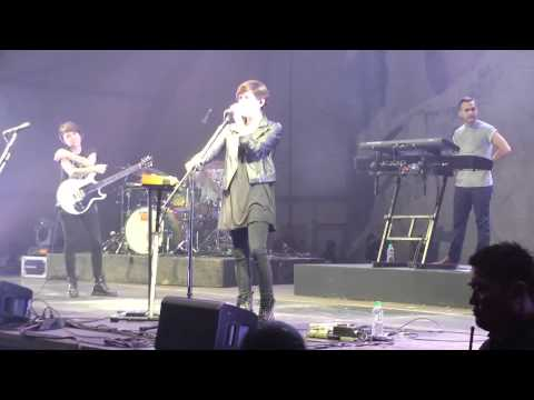 Tegan and Sara @ Manila: 20/25 Band intro