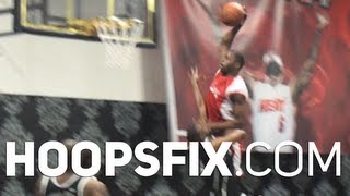 Huge Poster Dunk At NBA 2K14 Promo Event
