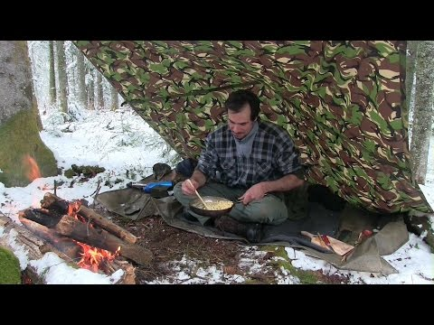 Bushcraft Day in the Forest with a bit of snow and tasty food