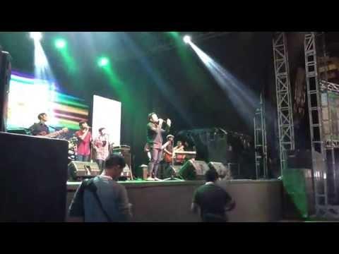 Tulus - Sepatu - Live @ JSF 2013