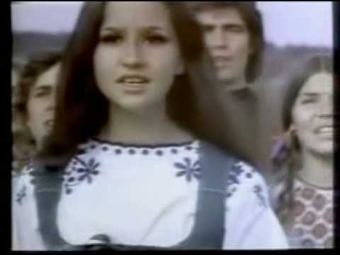 Coca Cola Commercial - I'd Like to Teach the World to Sing (In Perfect Harmony) - 1971