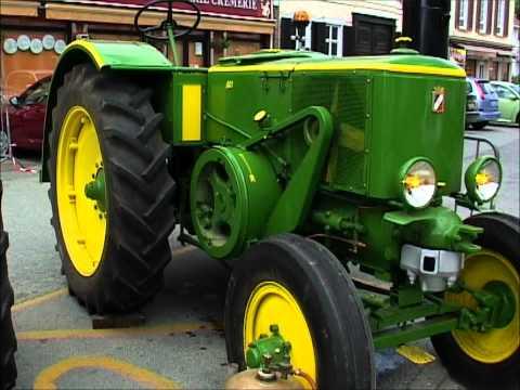 VIEUX TRACTEUR AGRICOLE à VIGNACOURT (France  ( 1 )___OLD AGRICULTURAL FARM TRACTOR