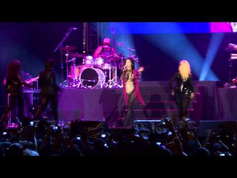 [HD] Nicole Scherzinger  - Twin Tower @ Live 2012 MALAYSIA