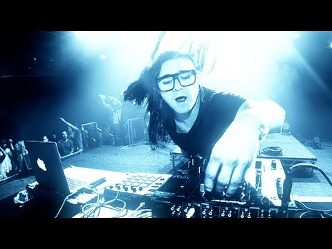 Skrillex most AMAZING live performance - presenting his