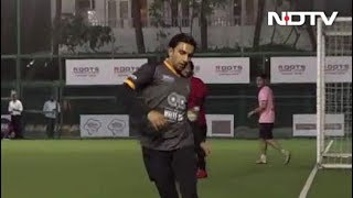 Celeb Spotting: Ranveer Singh, Urvashi Rautela, Yami Gautam & Others - NDTV