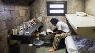 Cook County Jail's Comeback | NYT News - THENEWYORKTIMES
