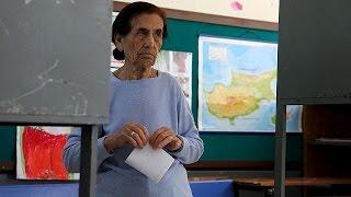 القبارصة الأتراك يصوتون لانتخاب رئيس